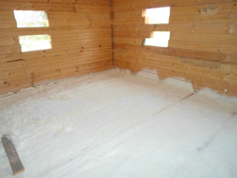 Для того, чтобы сохранить в доме достаточно тепла, требуется утеплять межэтажные и другие перекрытия.
