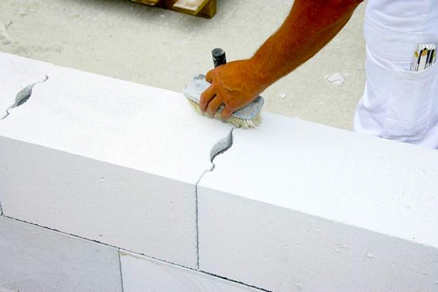 Материалы для утепления дома из газосиликатных блоков